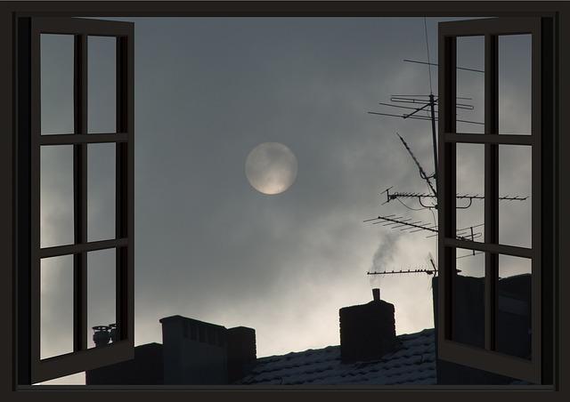 moon-3145776_640
