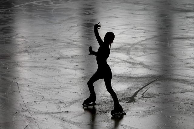figure-skating-3198861_640
